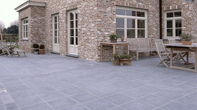 Blauwe steen voordelen prijs terras aanleggen - Terras eigentijds huis ...