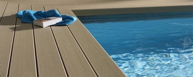 Composiet terras bij zwembad